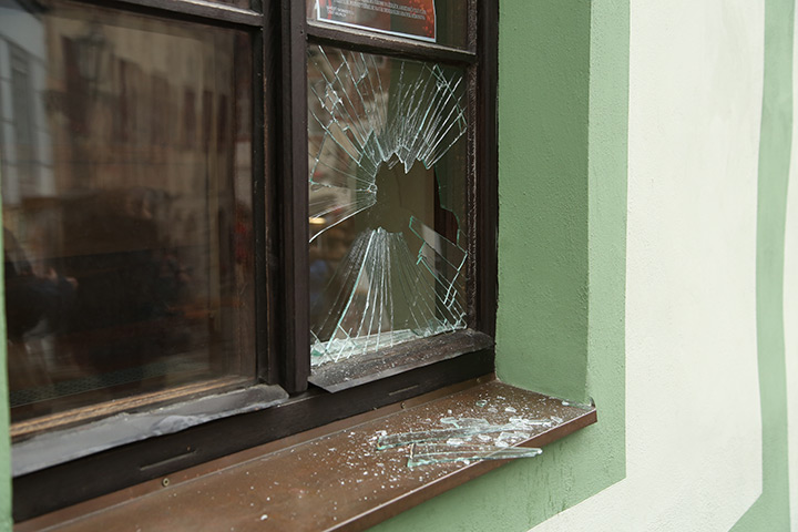 A2B Glass are able to board up broken windows while they are being repaired in Poplar.